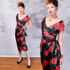 Pinup Coture Red Roses AVA dress size small